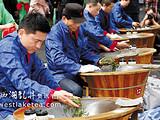 西湖龙井开茶节举行 新茶将大面积采摘上市