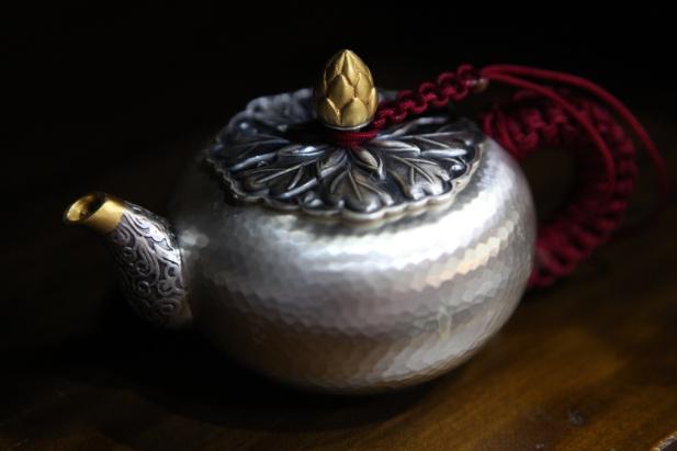 莲花纽棰目小壶