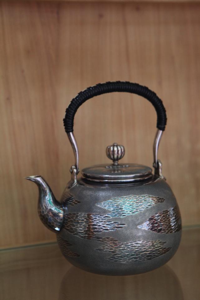 风沙纹银壶