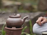 茶语煮茶节丨我用橄榄炭生火,泥炉烹茶,煮尽漫长冬夜