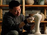 你只知道瓷器在APEC国宴、杭州G20峰会大放异彩,却不知这些瓷器出自他的手笔!