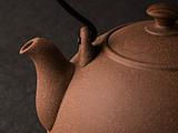 以器引茶:一生只爱一个女人叫专情,一泡茶要用N套茶具泡叫专业!