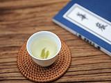 错过全世界的春茶,你都不能错过这杯鲜掉眉毛的安吉白茶!