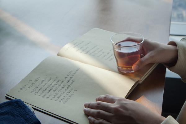 品茶,似品人生。岩茶的美,诉不完,道不尽。