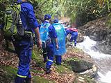 SOS!两女子桐木寻茶山中失联遇险,搜救队24小时紧急救援平安归来