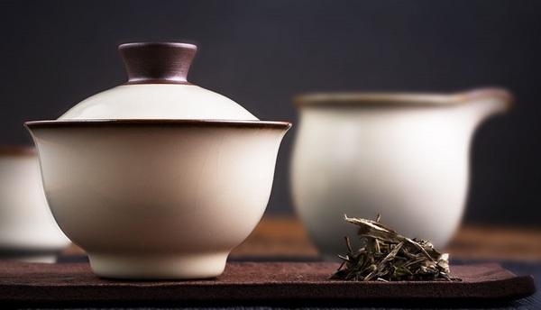龙泉青瓷•蛋白釉盖碗