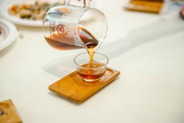 """""""窖""""香六堡茶便是其里程碑式的转折"""