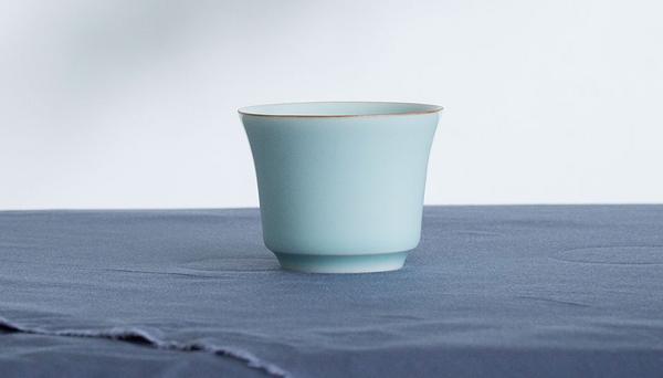茶杯·龙泉青瓷·粉青釉马蹄杯
