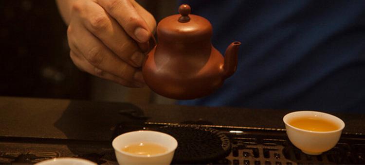 一泡茶要用N套茶具泡叫专业!
