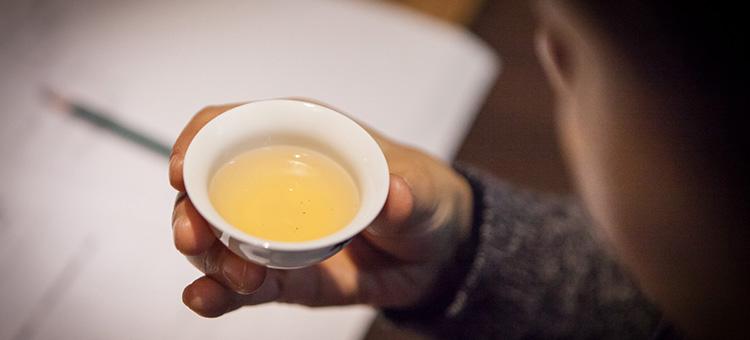 简单粗暴辨别好茶的方式!