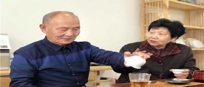 这位老人用诗歌书写一生挚爱的武夷岩茶