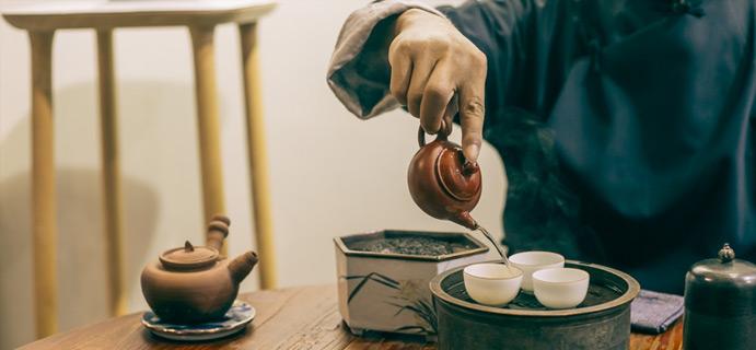 寻友 | 河北  万丈红尘三杯酒 千秋大业一壶茶。