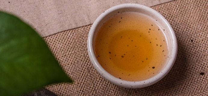 茶问答 | 普洱 请问这杯普洱冲泡后表面漂浮的是啥?无异味,不影响口感。