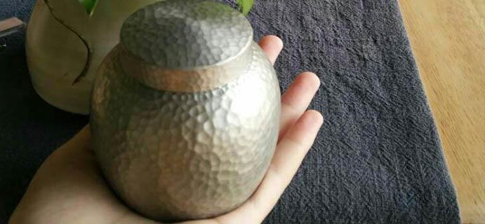 学茶   锡茶叶罐  自古凡茶宜锡,但很多人对锡存在一种误解。