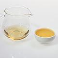 汤色深黄明亮,色泽符合绿茶选择性;香气高火香,较高爽,温热时可闻;滋味纯正,清爽,略有甜味,不苦涩。
