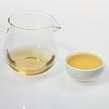 汤色浅黄尚明亮,色泽符合绿茶特性;香气高火香,较高爽,温热时可闻;滋味纯正,清爽,不苦涩。
