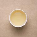 汤色为浅黄绿,清亮,香气为栗香、清香高长,鲜灵,滋味甘醇、鲜爽、回甘。