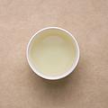 茶汤颜色明显变浅,茶汤略带甘甜,接近水味,回甘生津良好持久。