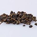 干茶壮结,尚油润和匀净。