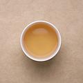 茶汤浅黄,较明亮,闻到茉莉花香浓郁,带玉兰花香,较上一泡淡薄。
