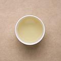 汤色浅黄,透亮;茶汤豆香明显,有清香;茶汤顺口,有一定浓度,滋味甜,有爽口度,舌面稍有涩感,化开快,有回甘生津。