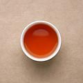 汤色较上泡变浅,浅橙红较亮,;仍旧能闻到糊味,喝起来茶汤水味。