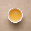 茶汤带少量谷物香气,滋味鲜活爽口,伴随轻微苦涩感,饮用畅快,无需继续冲泡。