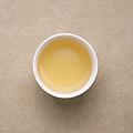 茶汤浅金色,花蜜香入汤,茶汤鲜甜,入口迅速生津。