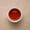 汤色转橙红;发酵气减弱;茶汤还是有稠感,涩感明显,回甘生津微弱持续。