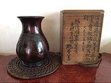 和茶道颇有渊源的,一件日本斑銅花瓶欣赏
