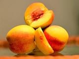 给大家推荐个夏天爱吃的水果--麻阳横喇黄桃