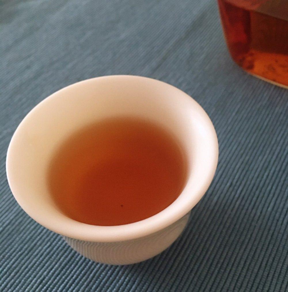 有点儿清新甜美感觉的白茶