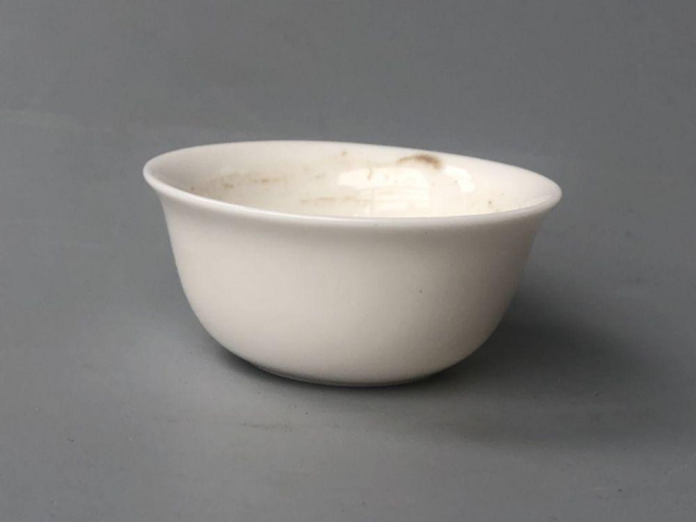 解放初期建国瓷厂稀少品种——乳白釉卧足茶杯