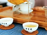 吃粽子的时候一定要记得要喝杯茶