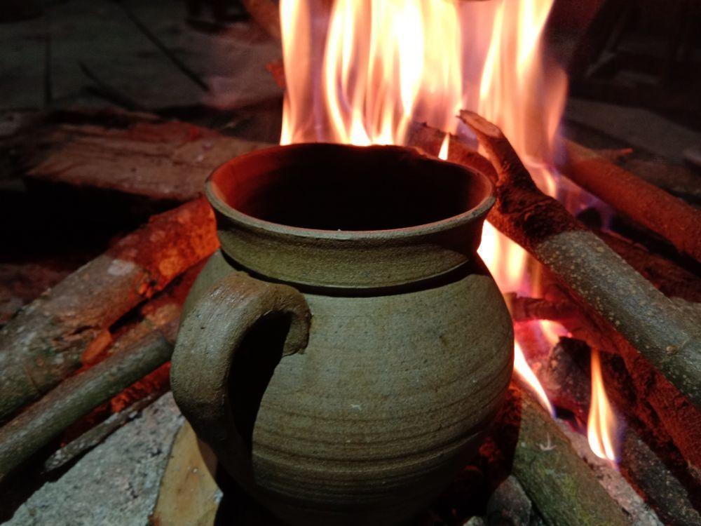 贺开拉祜族烤茶