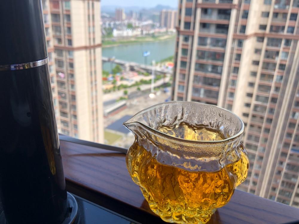 一杯城市的茶