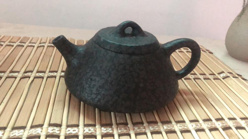 好茶配好茶具。谁用过冰碛岩石壶?